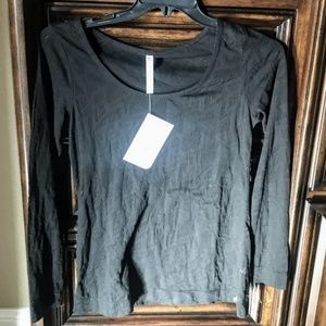 NWT Fabletics  long sleeve tunic